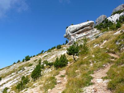 photo montagne alpes randonnée chamechaude monolithe rocher la folatière
