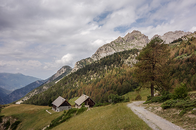 photo montagne alpes randonnee rando queyras col furfande granges chalets