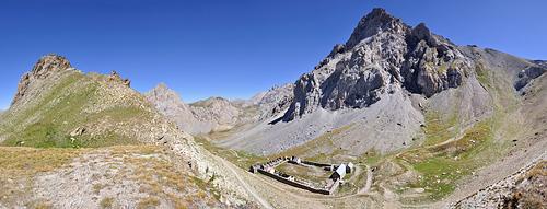 photo montagne alpes randonnée GR5 col mallemort baraquements viraysse