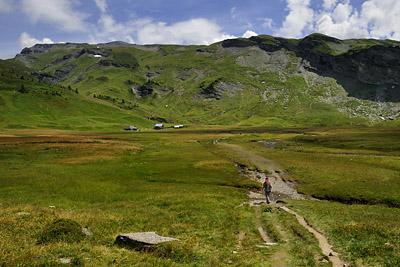 photo montagne alpes randonnée GR5 chalets anterne