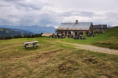 photo montagne alpes randonnée GR5 chalet refuge truc