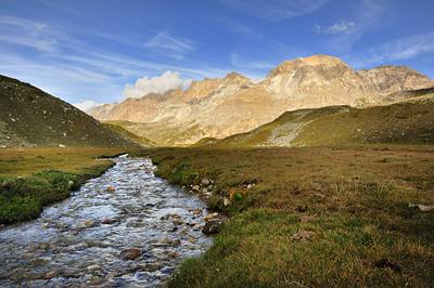 photo montagne alpes randonnée GR5 cerces lac peyron ruisseau