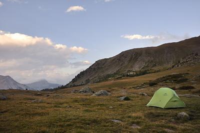 photo montagne alpes randonnée GR5 cerces lac cristol bivouac tente