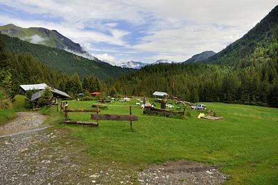 photo montagne alpes randonnée GR5 chalet refuge nant borrant