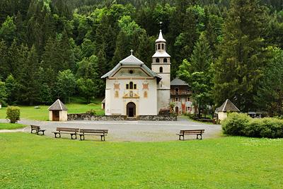 photo montagne alpes randonnée GR5 eglise chapelle notre dame gorge contamines