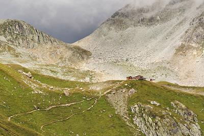 photo montagne alpes randonnée GR5 beaufortain refuge presset