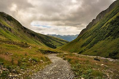 photo montagne alpes randonnée GR5 beaufortain refuge balme descente tarentaise