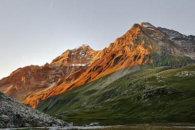 photo montagne alpes randonnée GR5 vanoise lac plagne entre le lac mont pourri dome sache coucher soleil