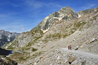 photo montagne alpes randonnée GR5 vanoise col vanoise lac vaches moraine pierrier