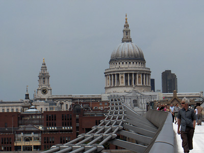 londres Millenium Bridge dôme Saint Paul's Cathedral