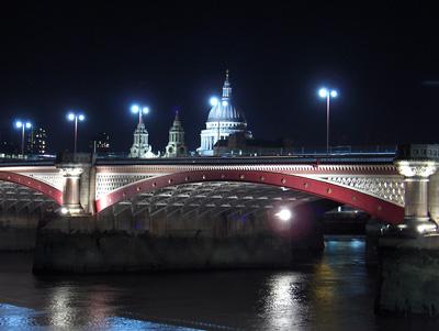 Londres nuit cathédrale Saint Paul Blackfriars Bridge