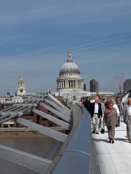 Londres Cathédrale Saint Paul et Millenium Bridge