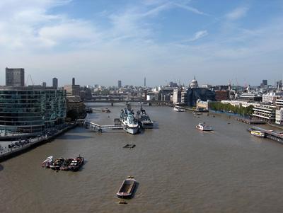 Londres vue du ciel tower bridge tamise saint paul cathedrale