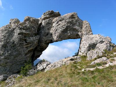 photo montagne alpes randonnée pierre percée