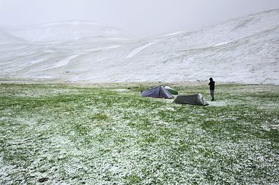 photo montagne alpes ecrins grandes rousses arves randonnée plateau emparis bivouac tente neige