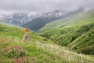 photo montagne alpes ecrins grandes rousses arves randonnée plateau emparis croix
