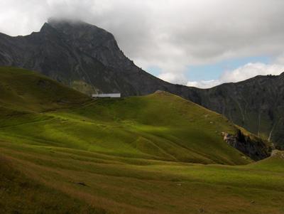 photo montagne alpes randonnée Pointe de Mandallaz Aulp de Fier nuages