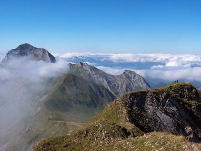 photo montagne alpes randonnée Pointe de Mandallaz sommet arête Mont Charvin