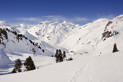 photo montagne alpes cerces thabor randonnée raquettes hiver neige nevache claree vallee