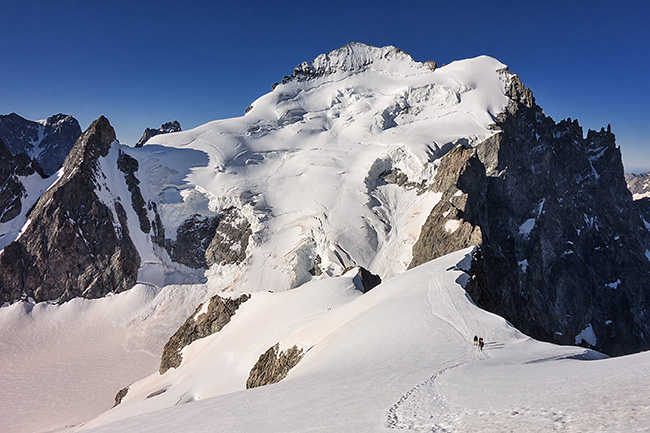 photo montagne alpes alpinisme ecrins roche faurio