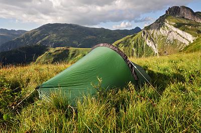 photo montagne alpes randonnée roselend lac tente bivouac