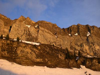 photo montagne alpes randonnée Refuge Tête de Bostan coucher de soleil falaises