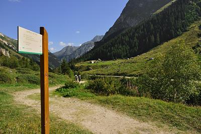 photo montagne alpes randonnée tour des glaciers vanoise TGV prioux depart panneau