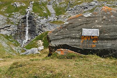 photo montagne alpes randonnée tour des glaciers vanoise TGV parc national de la vanoise cascade