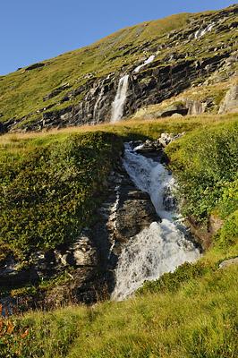photo montagne alpes randonnée tour des glaciers vanoise TGV cascade