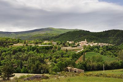 photo montagne alpes randonnée tour baronnies village saint auban sur l'ouveze