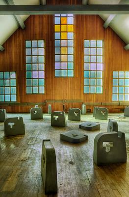 photo urbex sanatorium hôpital hôpitaux chapelle eglise vitraux