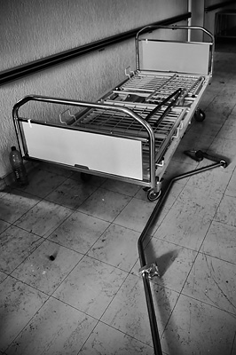 photo urbex sanatorium hôpital hôpitaux lit