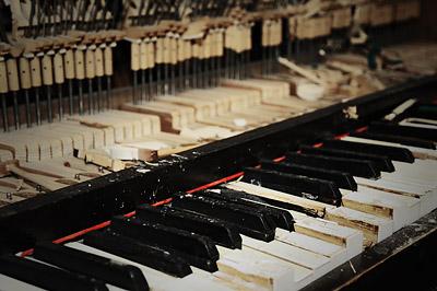 photo urbex sanatorium hôpital hôpitaux piano touches